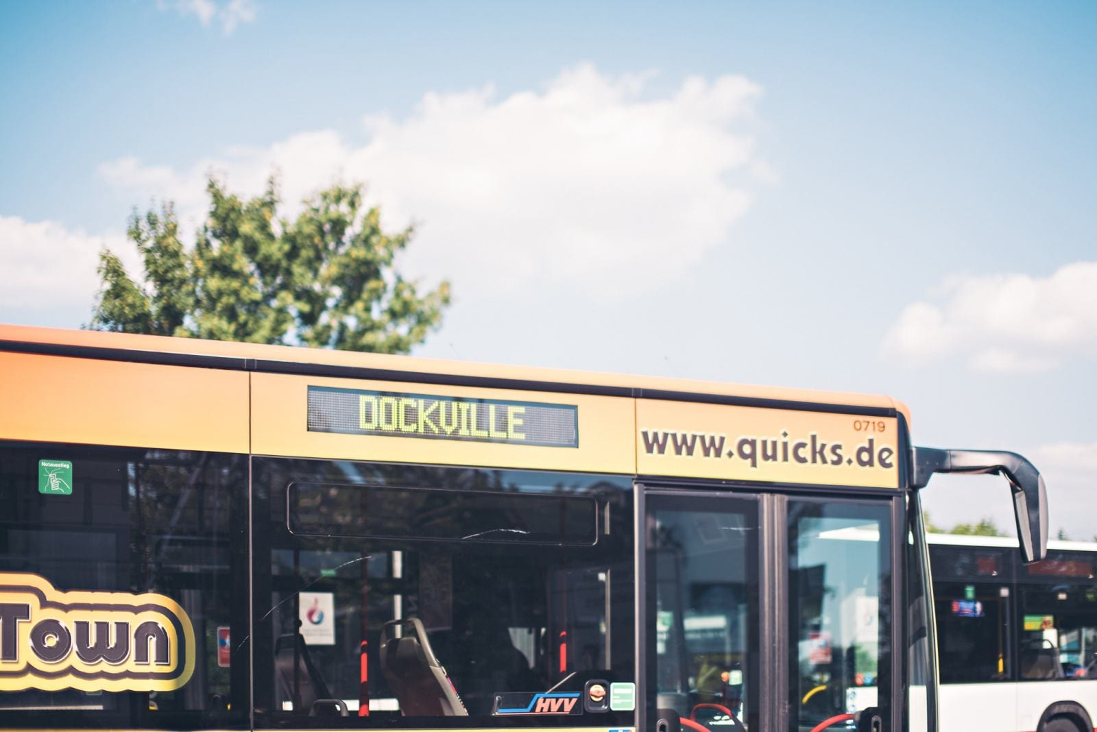 001 ms dockville 2015 bus - MS Dockville 2015