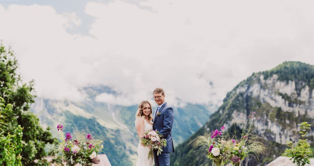 37 mountain wedding switzerland wedding portraits gimmelwald 1024x543 - Mountain Wedding Switzerland