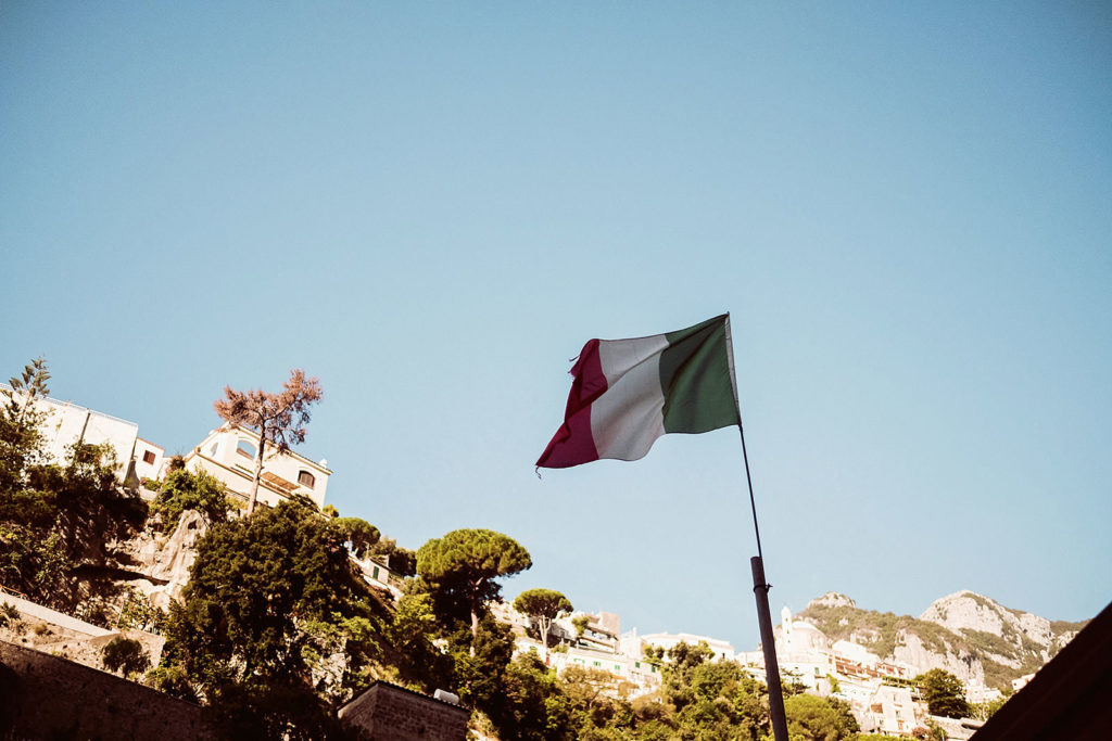 0092 positano wedding photographer elopement italian flag